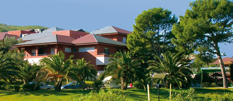 hotel residence casarossa capo colonna crotone costa