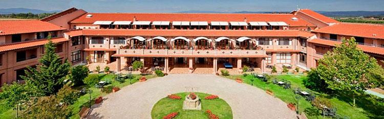 Fattoria la pricipina hotel tra principina a mare e for Foto di fattoria moderna