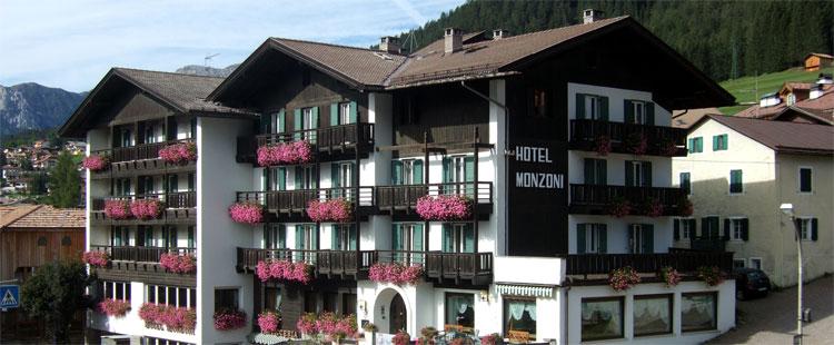 Hotel monzoni possa di fassa val di fassa trentino alto adige - Piscina pozza di fassa ...