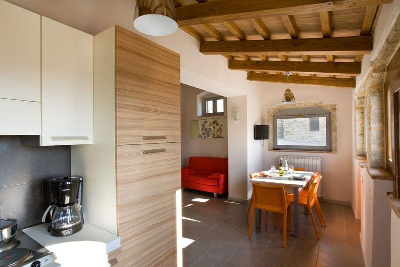 Awesome Verde Soggiorno Gualdo Tadino Ideas - dairiakymber.com ...